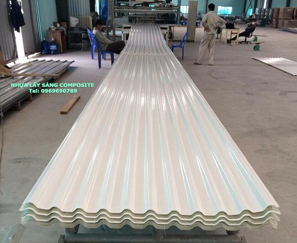Sản xuất Nhựa Lấy Sáng Composite