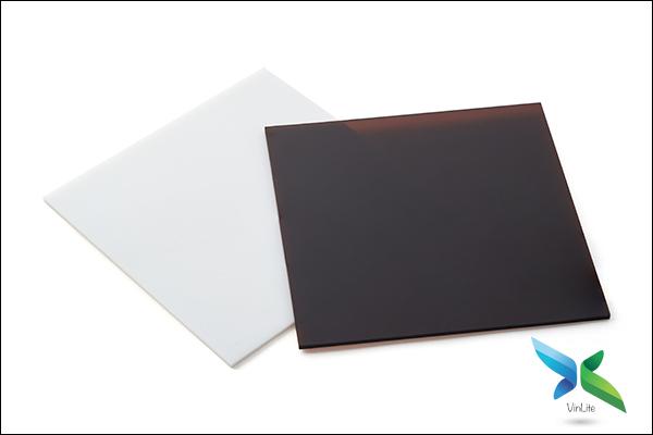 Nhựa Lấy Sáng Đặc 2,5mm (ly)